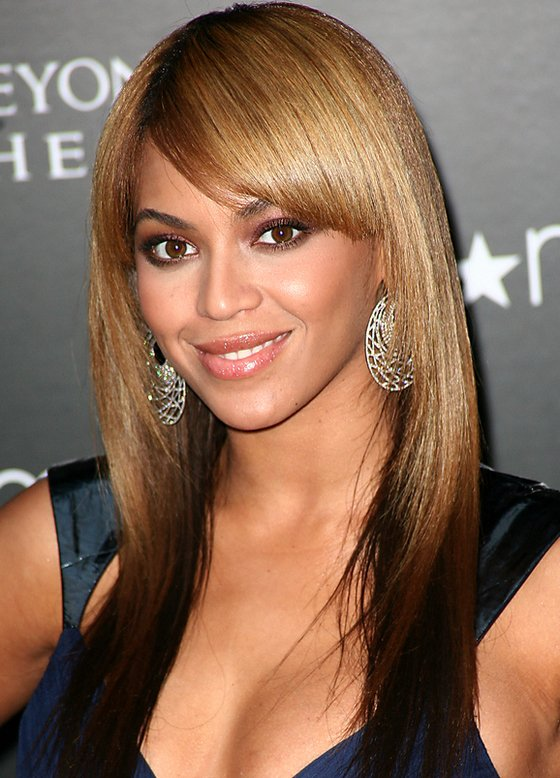 beyonce_sleek_straight_ombre hairstyle_with_bangs