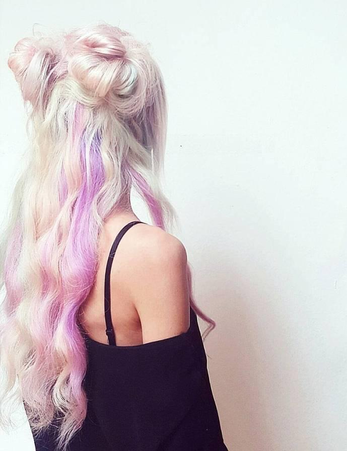 messy twin buns pastel hair
