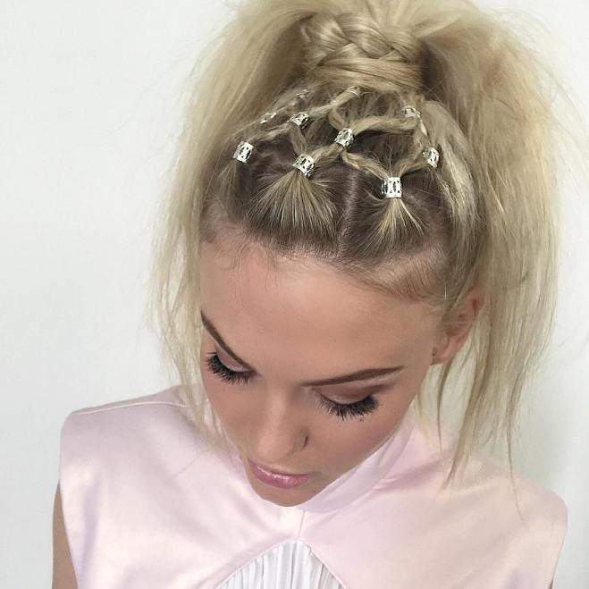 netz braid with hair clips into ponytail