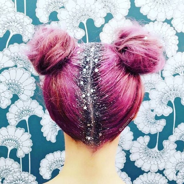 twin buns glitter root hair